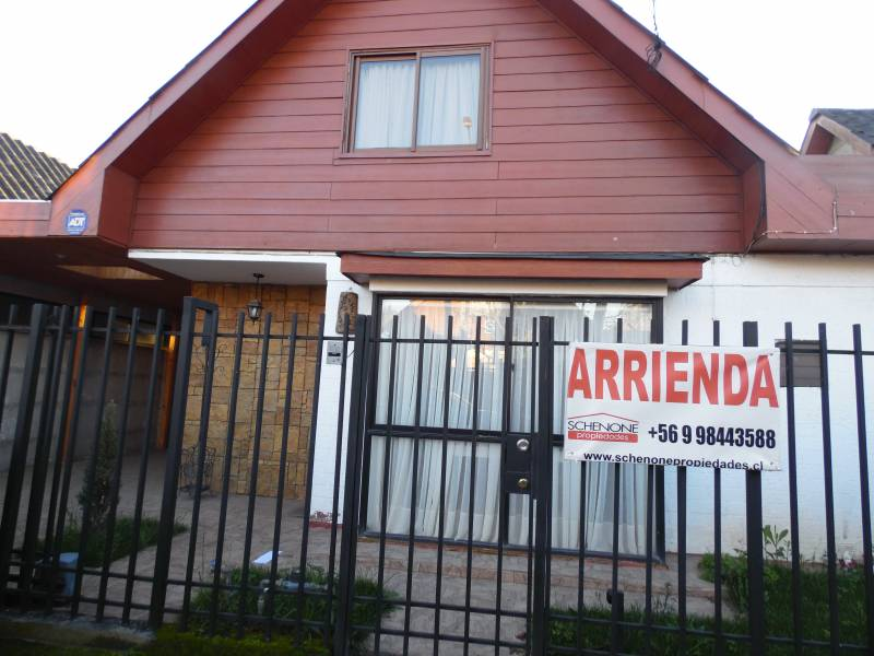 Cómoda casa remodelada en villa Puerta Norte, 2da etapa