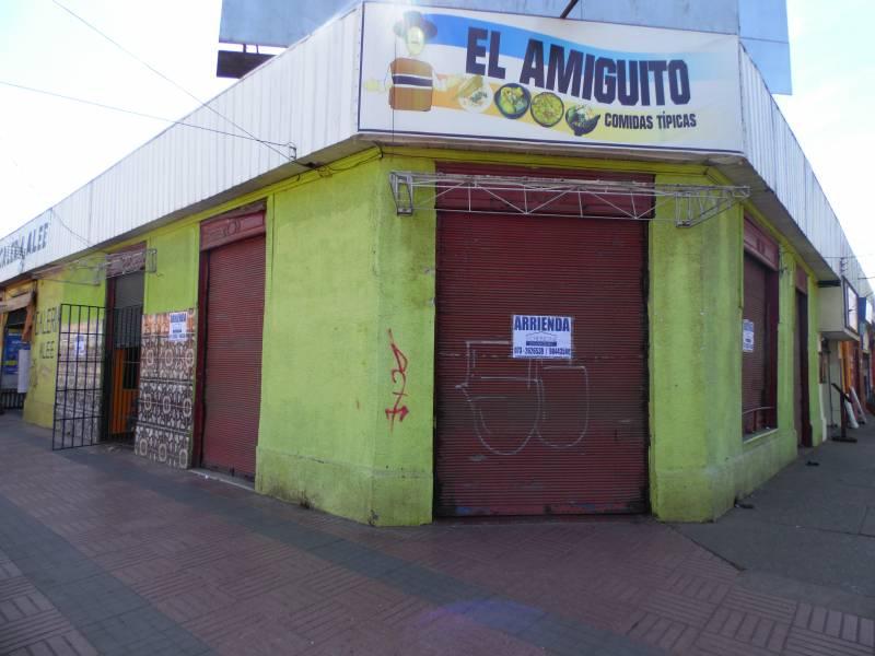 Amplio local esquina en excelente ubicación en Linares.