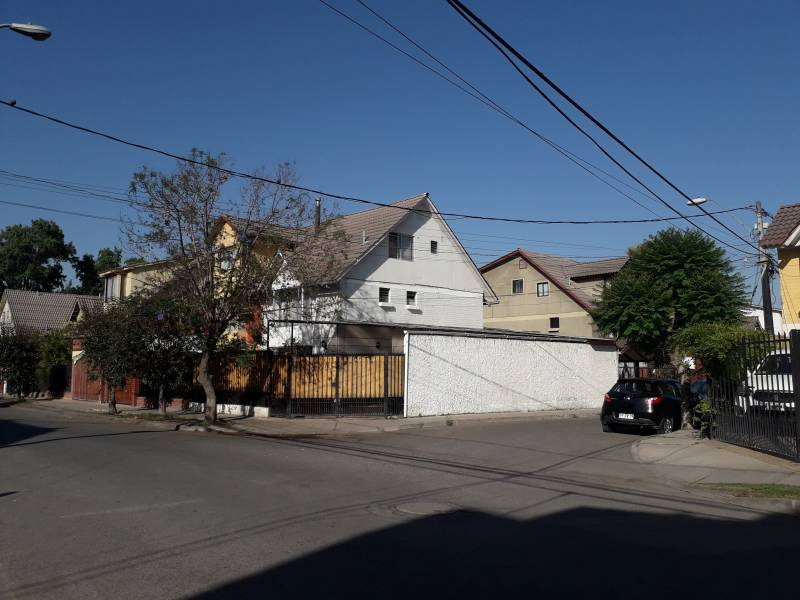 CASA DE 3 PISOS, CIUDAD SATELITE, MAIPU