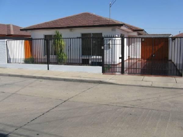 CASA EN LA SERENA, URBANA, CON CONSTRUCCION ADICIONAL