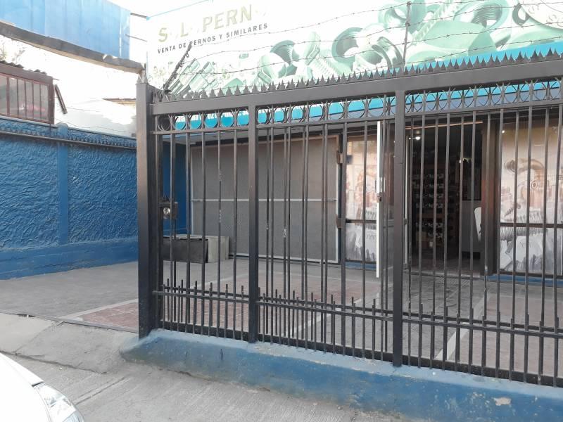 LOCAL COMERCIAL QUILICURA A PASOS DE METRO ESTACIÓN