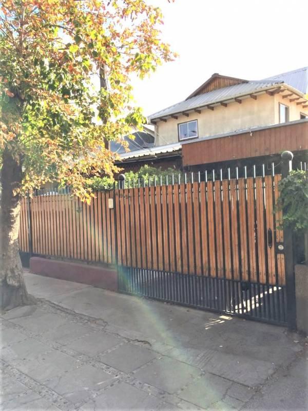 Casa solida Viila Pablo Neruda Macul