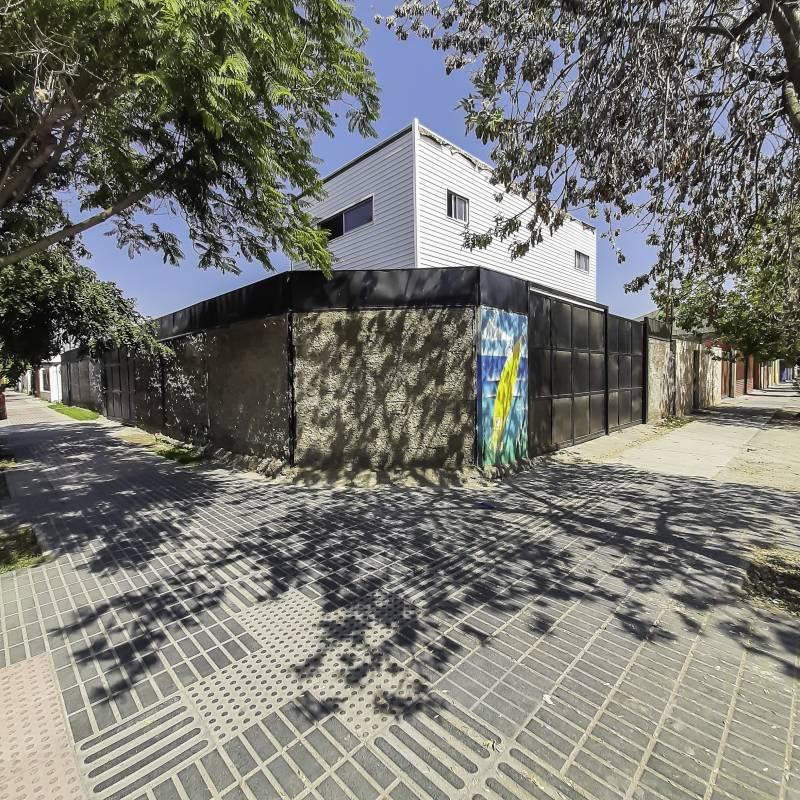 LOCAL COMERCIAL CON GALPÓN Y DEPARTAMENTO EN SAN JOAQUÍN