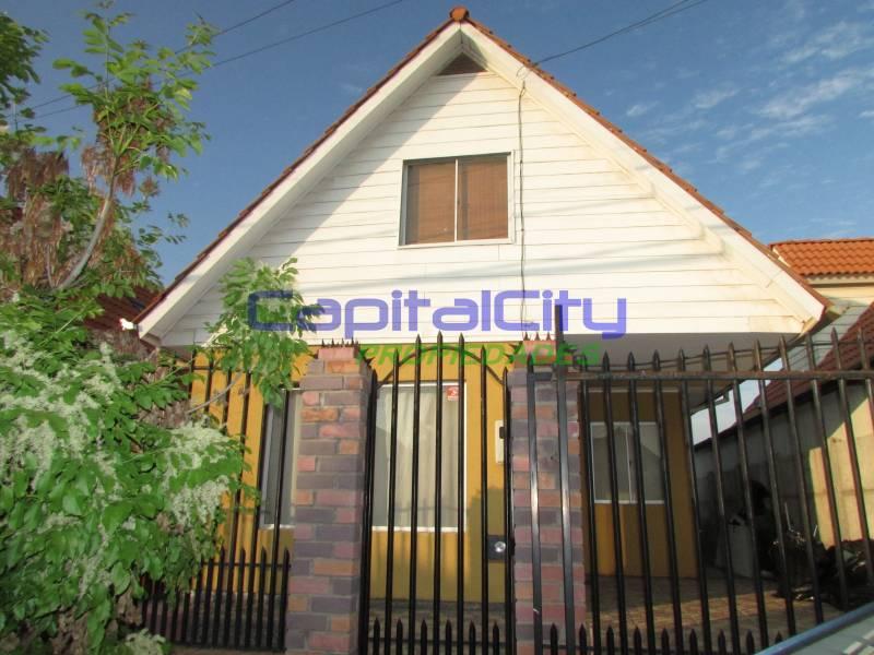 Linda casa en barrio residencial