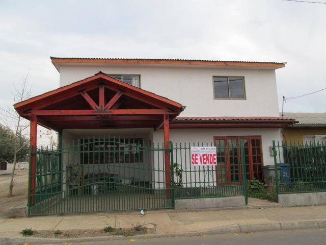 CASA 98 M2 CONSRTUIDOS EN SAN CLEMENTE