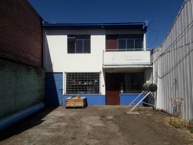 EN VENTA LOCAL COMERCIAL EN CALLE ALMAGRO, LOS ANGELES