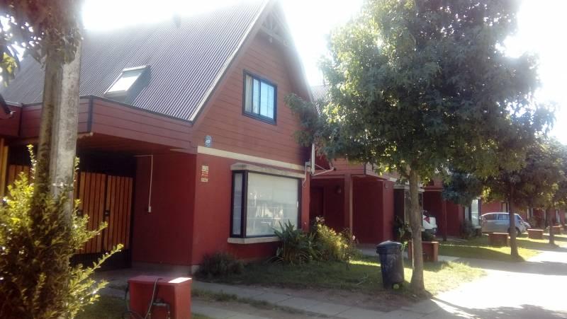 Casa ampliada muy acogedora ubicada en villa El Avellano