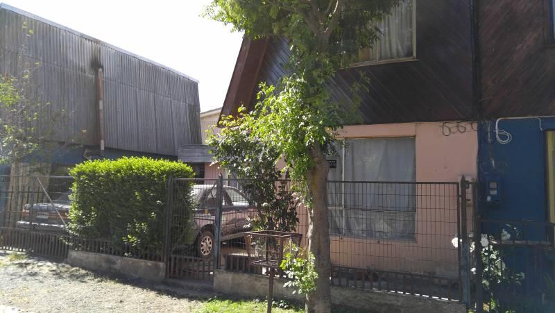 Casa ubicada en villa las Quintas, ampliada en primer piso