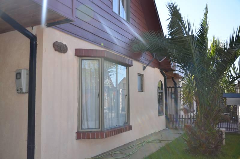 Casa Amoblada en calle La Dehesa de M.  - Jofre & Rossi -