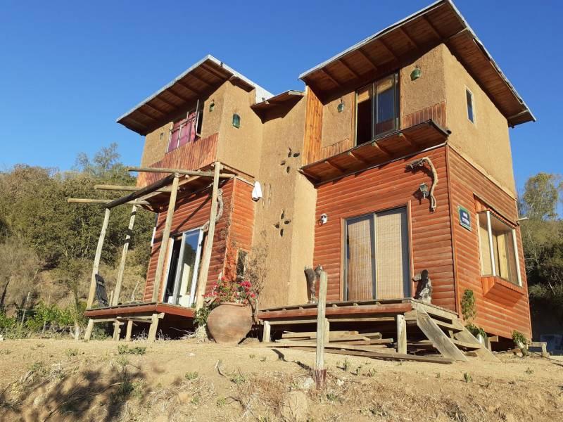 Hermoso Fundo  de 2.2 hectáreas en Quilpué con 3  casas