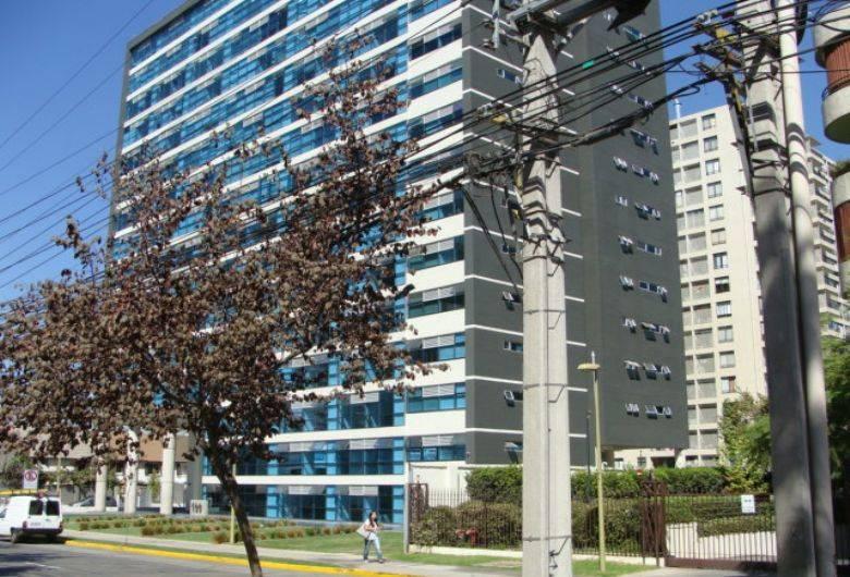 ARRIENDO OFICINA 40 MTS 3 PRIVADOS + 2 BAÑOS LAS CONDES
