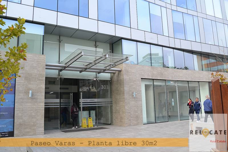 METRO MANUEL MONTT, PLANTA LIBRE 30M2, REBAJADO COVID