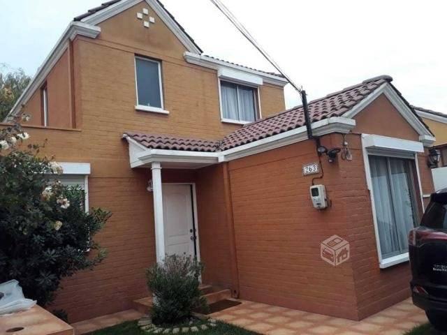 Hermosa casa aislada condominio Barrio Las Rosas
