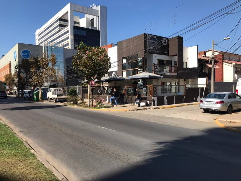 ARRIENDO PROPIEDAD COMERCIAL 15 NTE CON 1/2 PTE,VIÑA DEL MAR