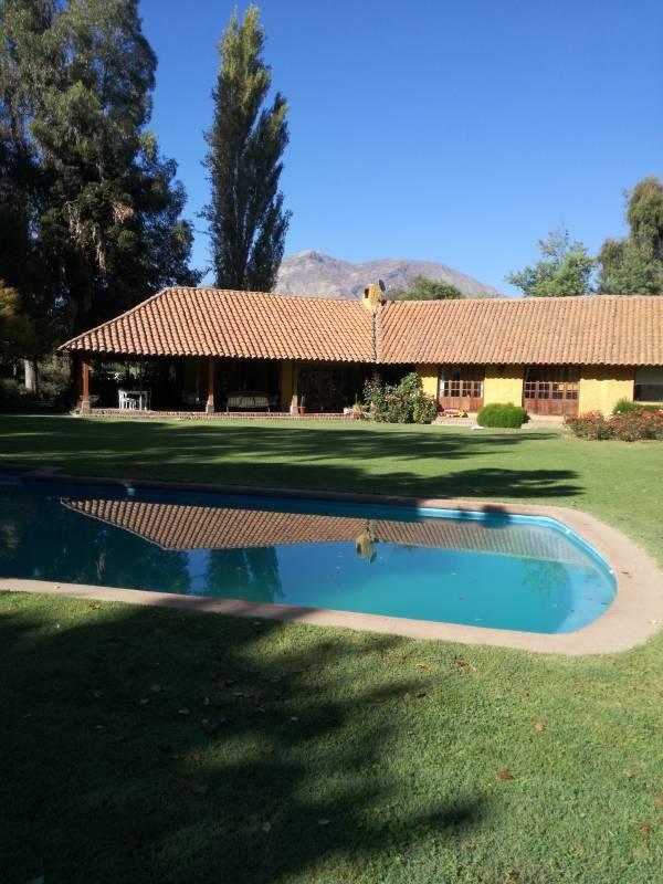 Pirque, Loteo Los Quillayes Parcela  casa chilena , piscina
