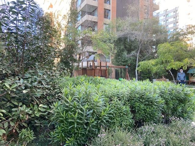 Rosario Norte/Cerro El Plomo  depto 3 dorm , 2 banos, 100mts