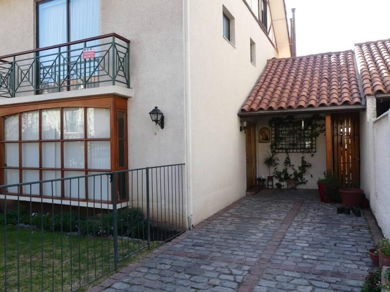 Preciosa cómoda y versátil casa familiar sector U del Desarr