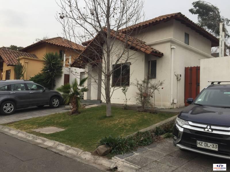 Excelente casa en condominio en exclusivo sector alto