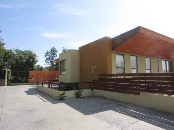 VENDE GRAN CASA CONDOMINIO DE 4 LARRAIN / CASANOVA 213/528 M