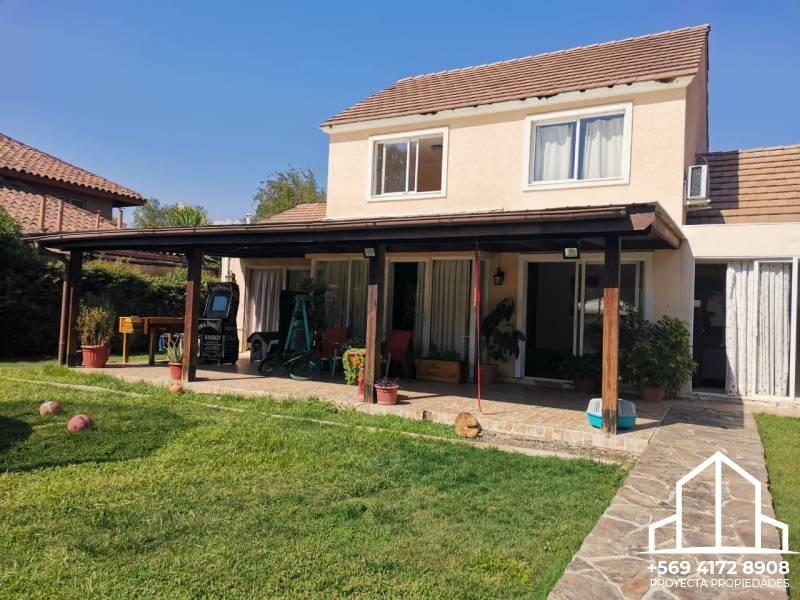 Hermosa casa Provenzal - Santa Elena de Chicureo