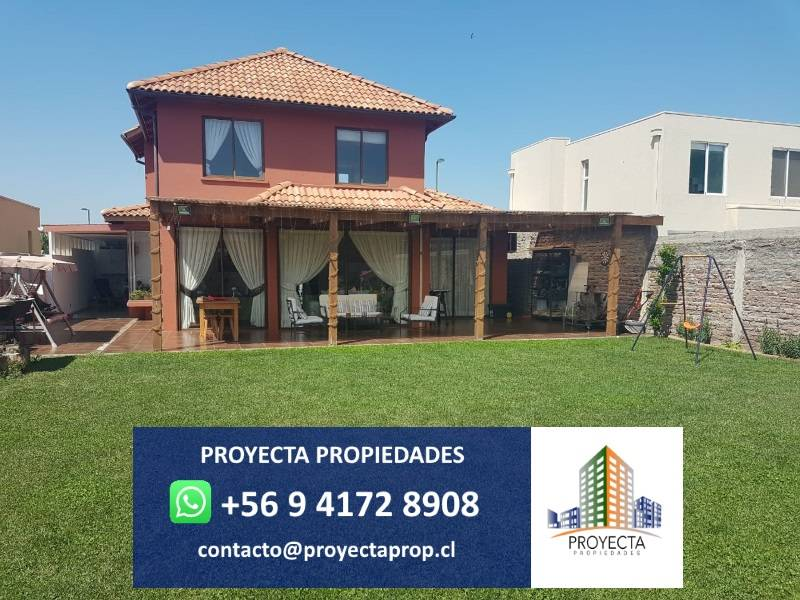 Impecable Casa en Santa Elena de Chicureo