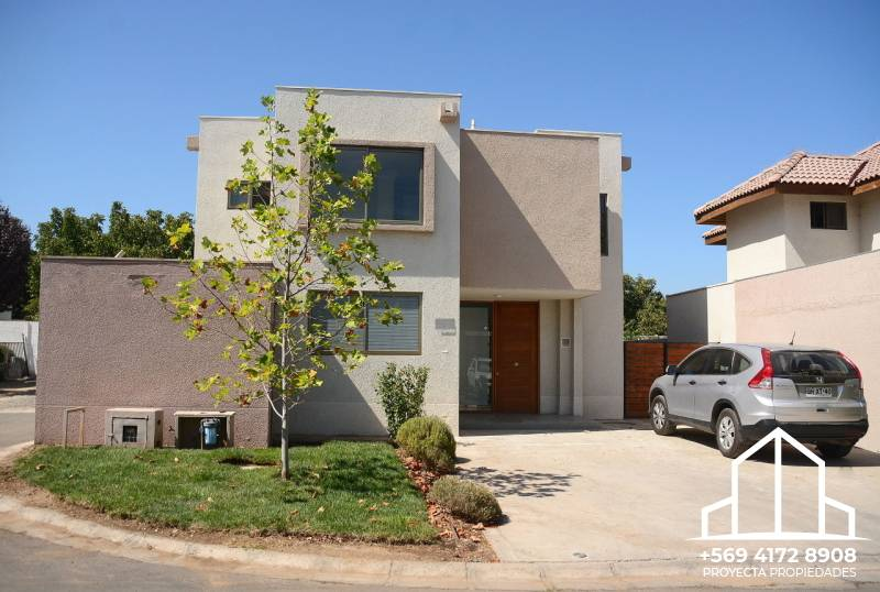Casa en venta - Los Nogales - Santa Elena de Chicureo