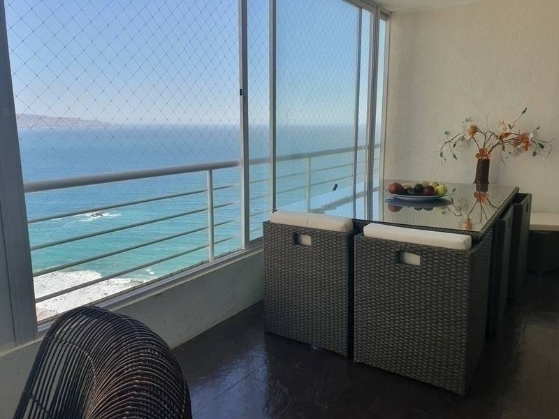 VENDO HERMOSO DEPARTAMENTO CON VISTA AL MAR