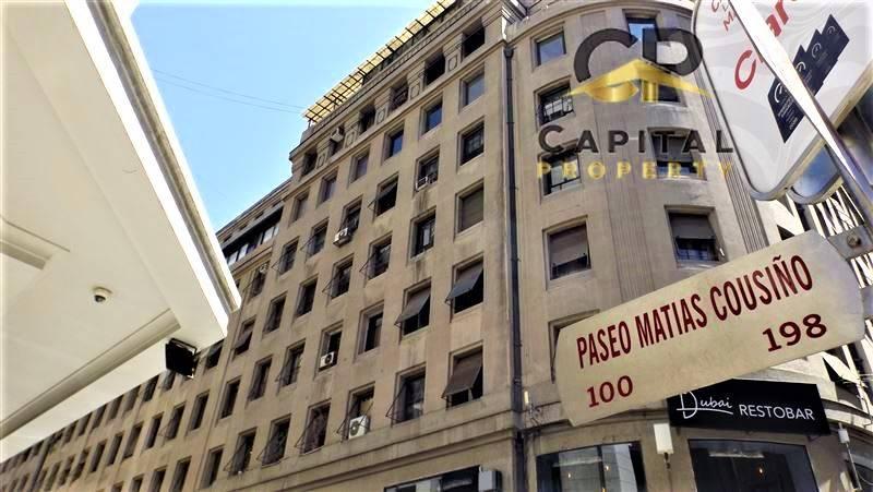 ARRIENDO AMPLIA OFICINA CON PRIVADOS SANTIAGO CENTRO