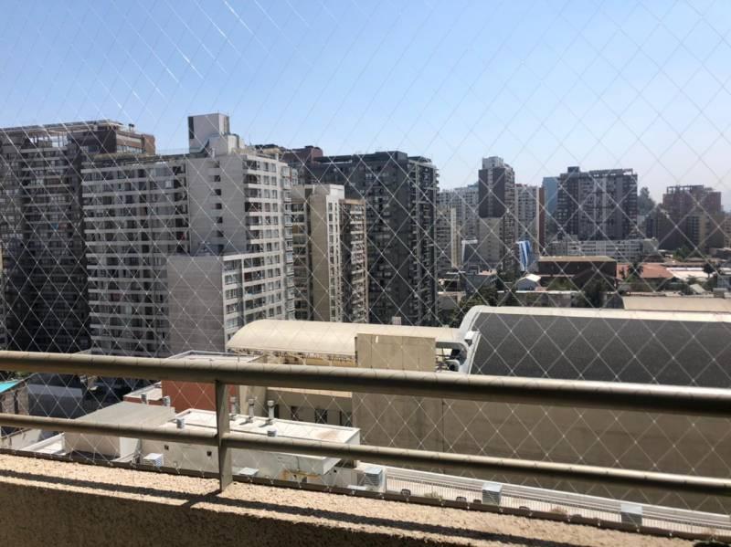 A pasos del centro de Santiago!