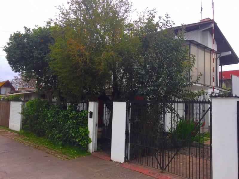 Oportunidad, vendo casa antigua a 5 cuadras Metro Pza. Egaña