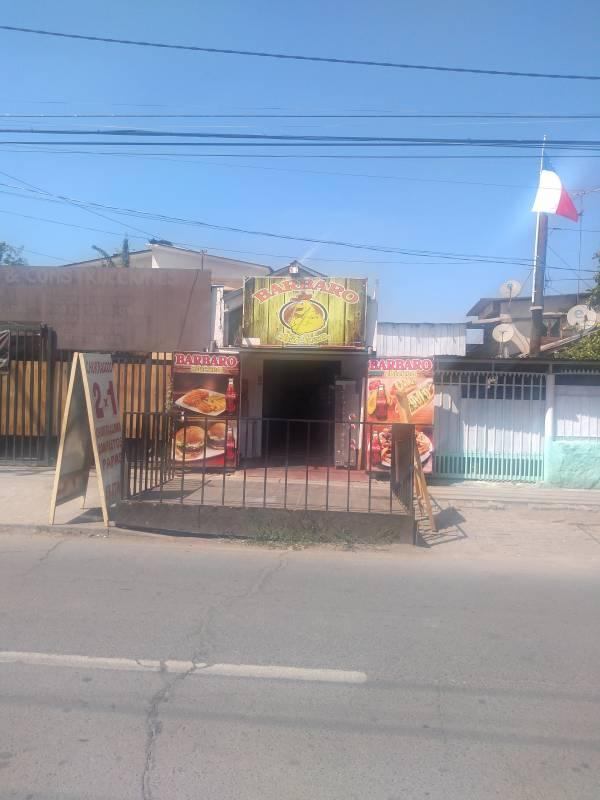 CASA CON LOCAL COMERCIAL EN CERRO NAVIA