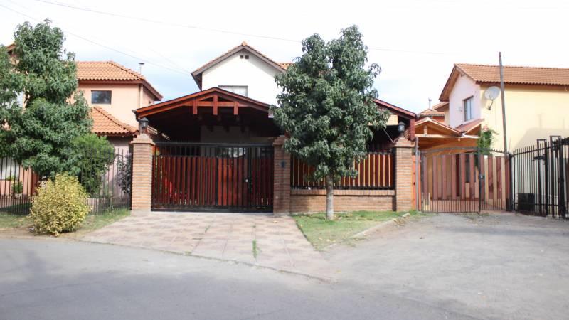 Casa en las Pircas de Machali