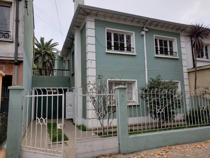 Casa Grande a 50 metros de Avenida Princial