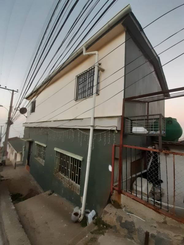 VENDE CASA 4D 2B 205MTS2 CONSTRUIDOS, COMUNA DE VALPARAISO