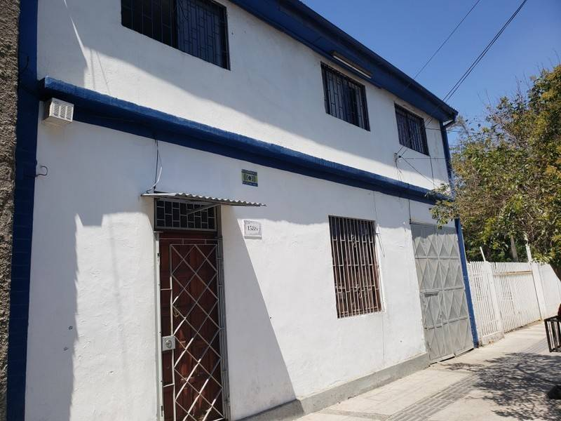 INVERSIONISTAS, Vende casa 10D 10B 200mts2, Estacion Central
