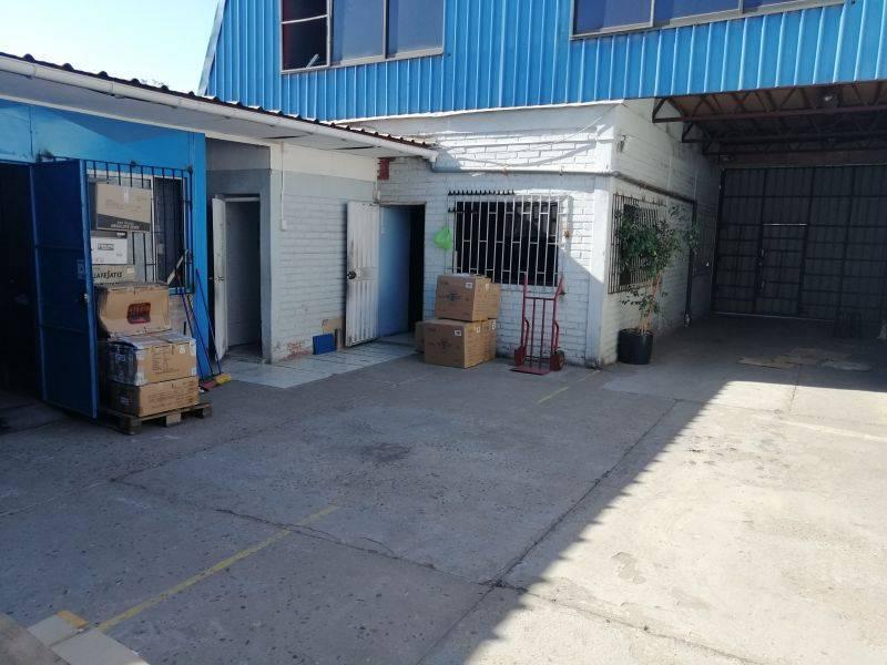 VENDE LOCAL COMERCIAL 4OFIC, SALA DE VENTA, BODEGA 600MTS2
