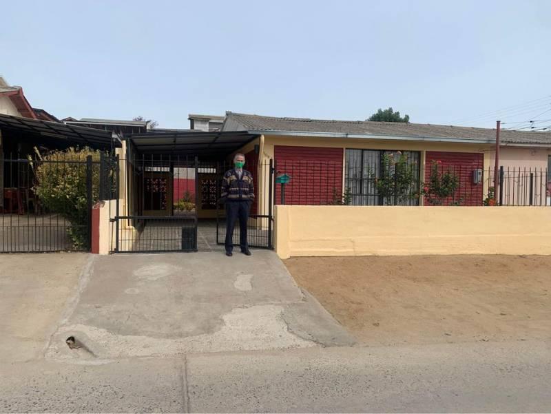 Casa con amplio patio en Belloto Sur