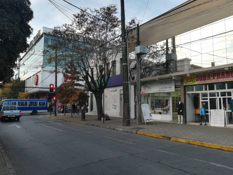 LOCAL COMERCIAL IDEAL EN EL CENTRO DE CURICÓ