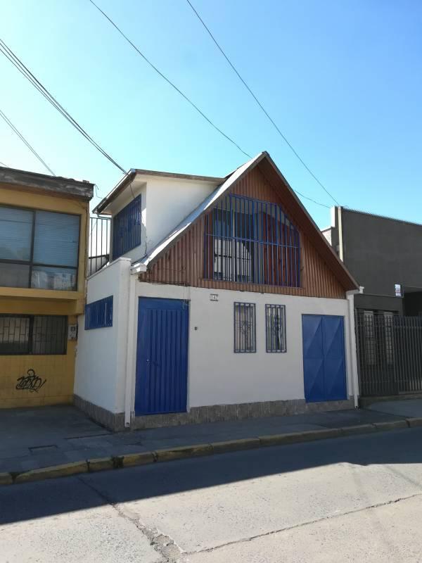 EN ARRIENDO CASA COMERCIAL PENSIÓN O MAS