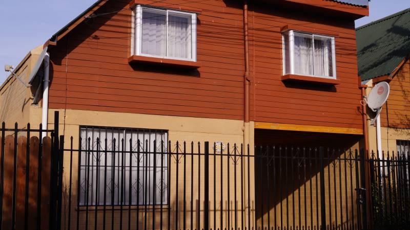 CASA 3 DORMITORIOS 2 BAÑOS, VILLA A. ALESANDRI