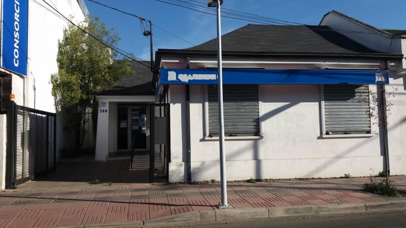 LOCAL MUY CENTRAL, DESTINO  CONSULTA ,OFICINA COMERCIAL, ETC