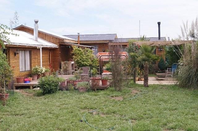 Linda casa tipo cabaña, ubicada camino a Panimávida