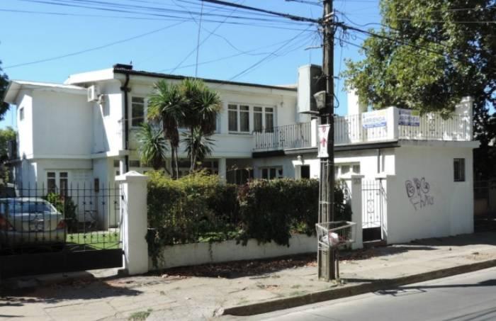 EXCELENTE CASA CENTRAL USO COMERCIAL - OFICINAS