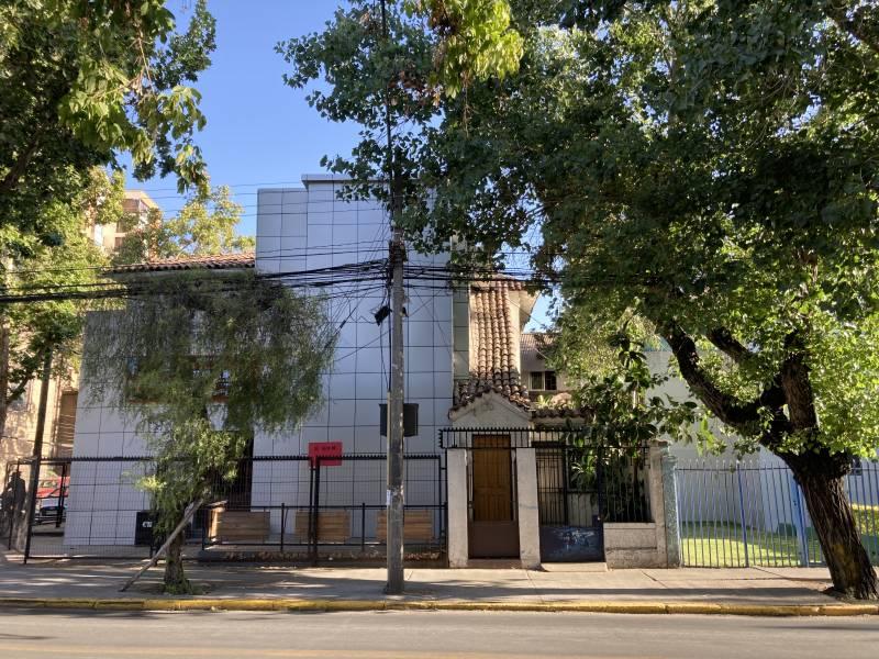 Casa esquina sector metro Salvador