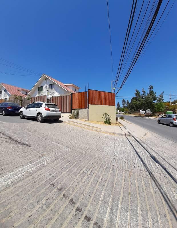 Vendo casa esquina en Belloto Sur