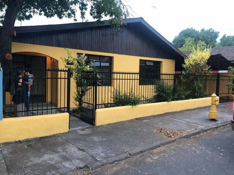 Amplia casa de material sólido en sector santa Elvira