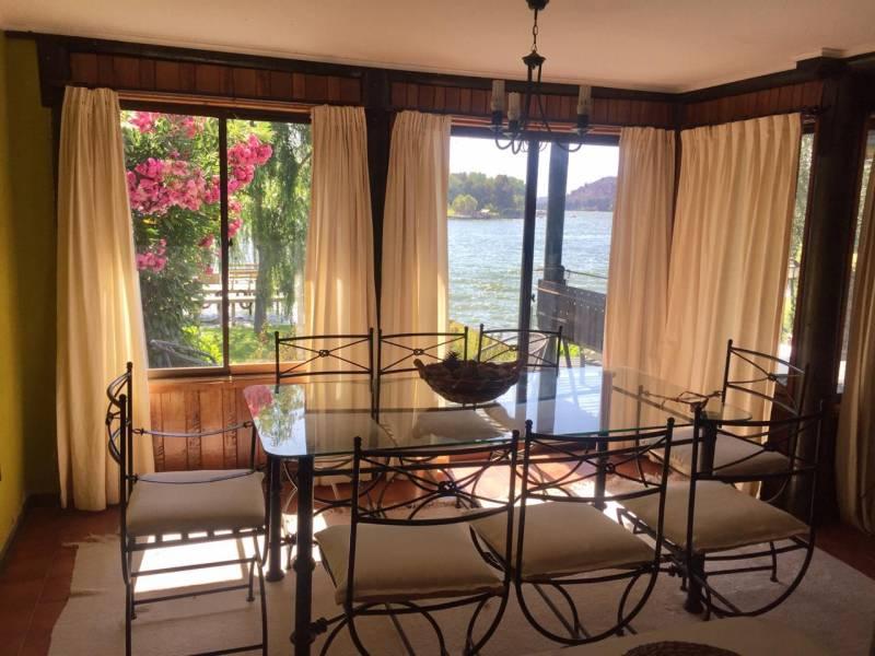 Preciosa casa a orillas de Lago Rapel