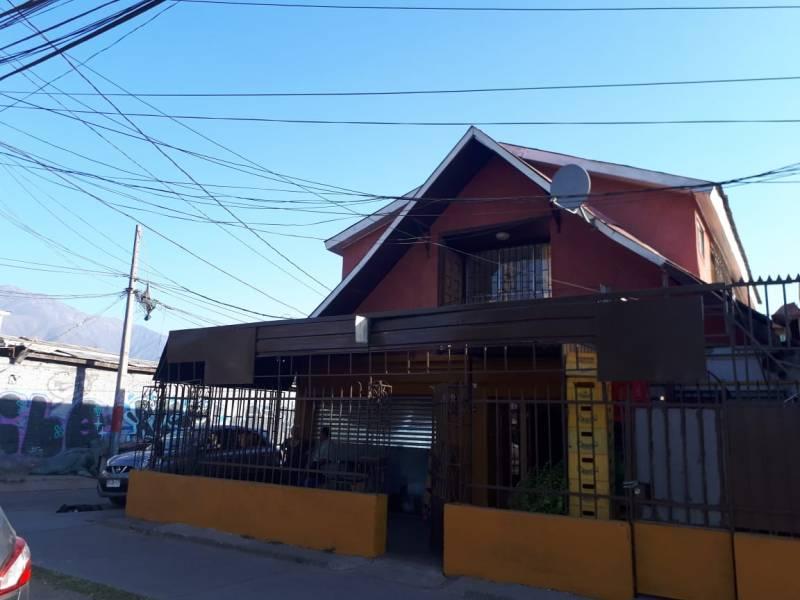 Local Comercial Con Casa Habitacional Avda. Grecia Los Molin