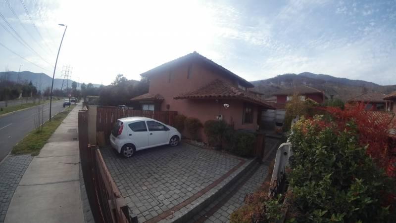 Casa 140 mt2 , estilo Chilena Huechuraba Av El Carmen