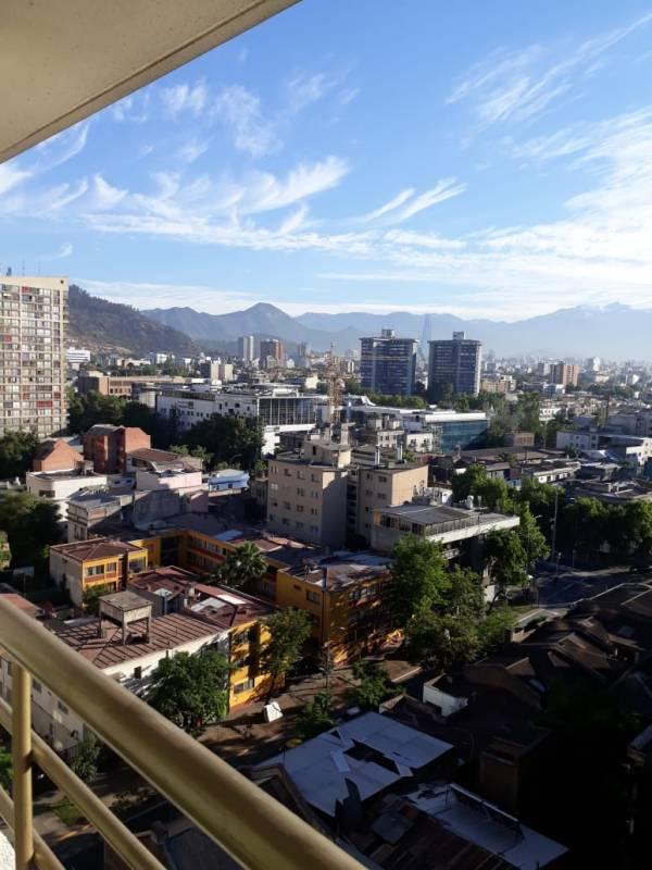 Santiago Centro - Dpto. sin amoblar a Pasos de V. Mackenna